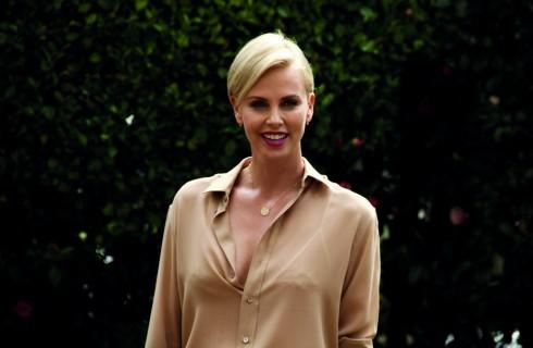 """Charlize Theron a Milano per Il Cacciatore e la Regina di Ghiaccio: """"Mio figlio ama Frozen"""""""