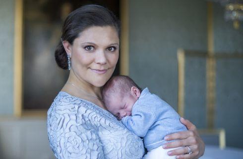 Estelle e Oscar: le prime foto insieme dei figli di Victoria di Svezia