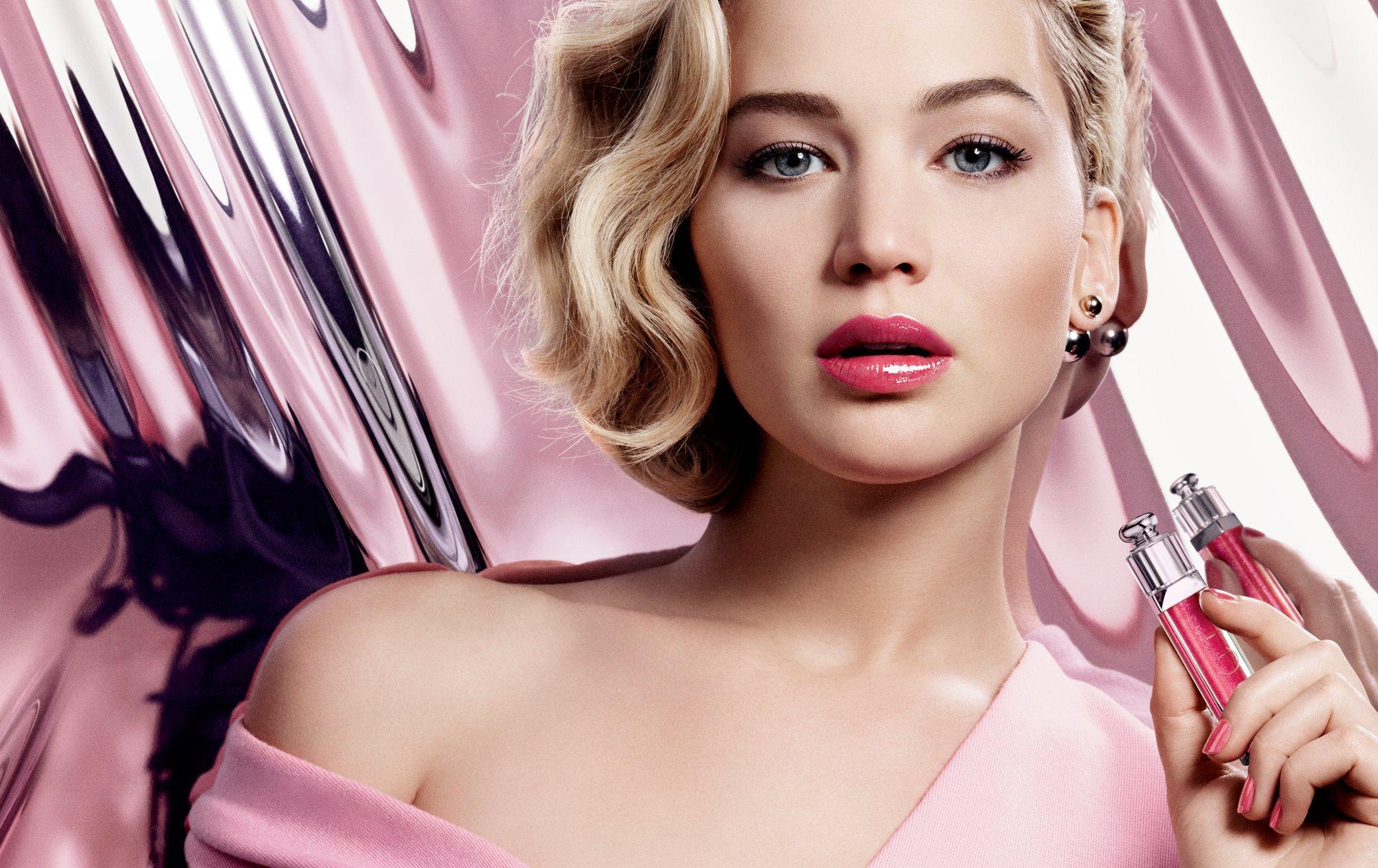 Jennifer Lawrence volto di Dior, le foto