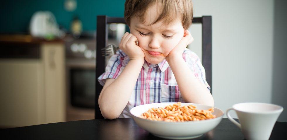 bambino che perde peso non mangiano