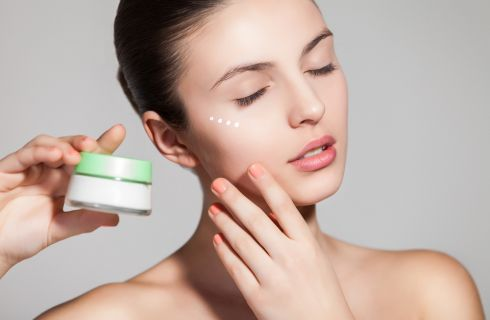 Sieri anti aging: 10 prodotti di bellezza per restare giovani