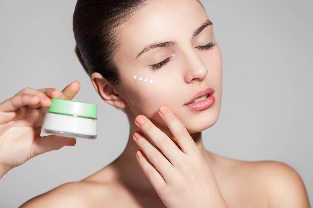 Posti sulle pillole di faccia e gli intestini