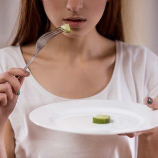 Anoressia in adolescenza: cause e sintomi