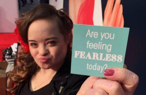 Katie Meade: prima modella Down per un marchio di di bellezza