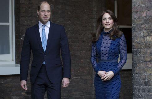 Kate Middleton stupisce con un abito trasparente a pois