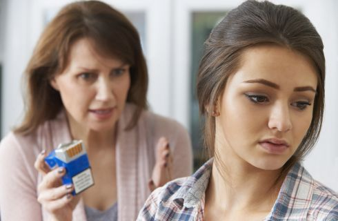 Come scoprire se un adolescente fuma: 7 segnali inequivocabili
