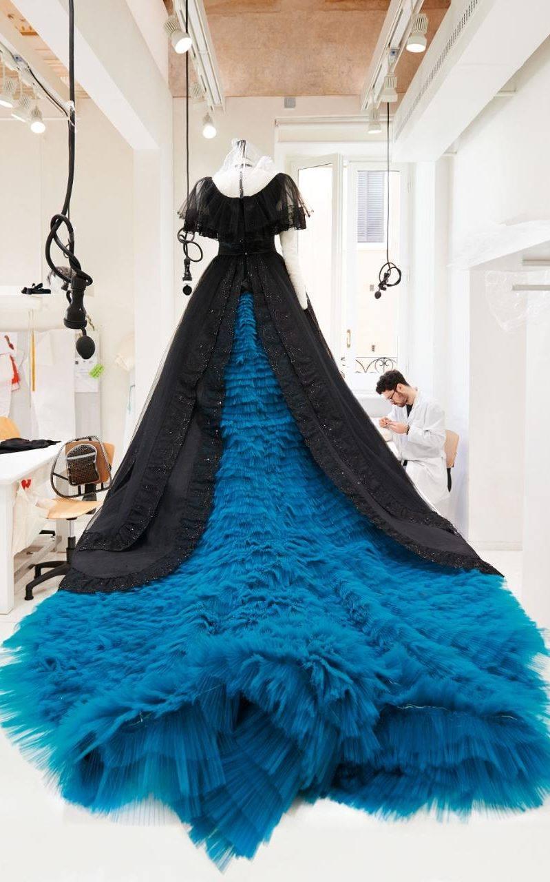 Le foto dei costumi Valentino per la Traviata di Sofia Coppola