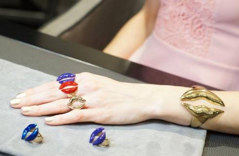 Bernard Delettrez presenta la collezione Fashion Diviner