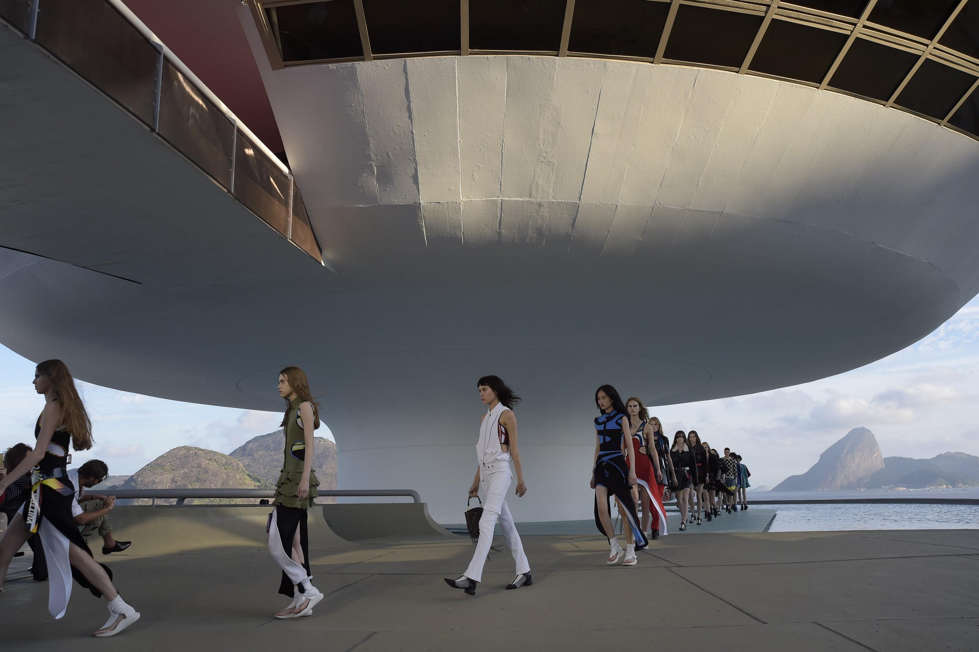 Louis Vuitton Cruise 2017, foto