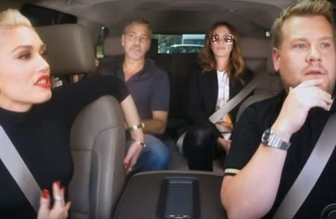 George Clooney e Julia Roberts: karaoke a sorpresa con Gwen Stefani