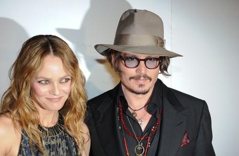 Johnny Depp divorzio: Vanessa Paradis e Lily-Rose prendono le sue difese