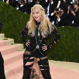 Madonna: look bondage per il Met Gala