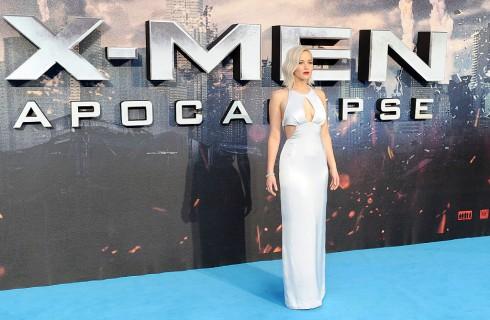 Jennifer Lawrence cade di nuovo alla prima di X-Men: Apocalypse