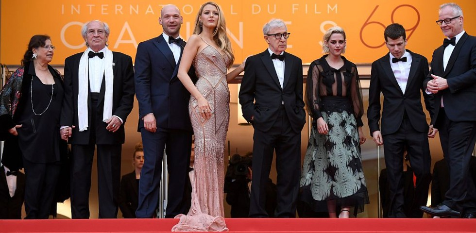 Cannes 2016: Blake Lively e Kristen Stewart i look a confronto sul red carpet
