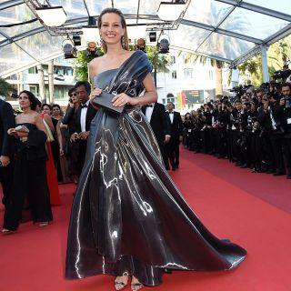 Petra Nemcova cade sul red carpet di Cannes
