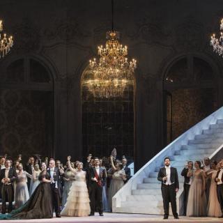 La Traviata della Coppola con i costumi di Valentino