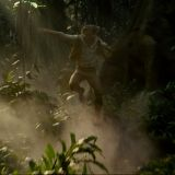 Alexander Skarsgård in una scena del film The Legend of Tarzan