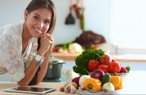 Dolore mestruale: cosa è sconsiglito mangiare
