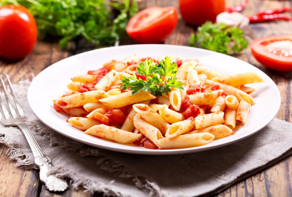 primi piatti estivi facili e veloci: pasta alla crudaiola