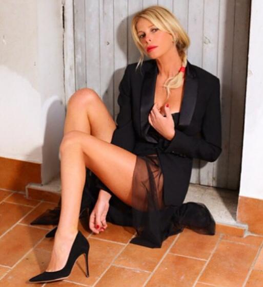 Alessia Marcuzzi, sexy conduttrice e mamma dolcissima