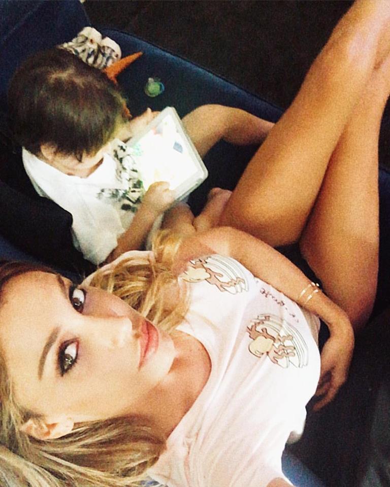Belen Rodriguez, mamma supersexy sui social