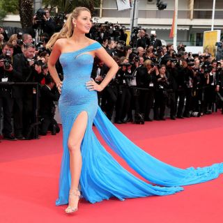 Blake Lively e Ryan Reynolds: dolci effusioni in spiaggia