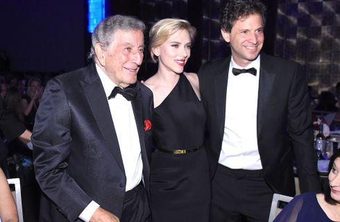 Scarlett Johansson: abito mozzafiato per festeggiare Tony Bennett