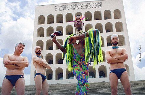Gay Pride 2016 e Fendi: scontro per la campagna davanti al Colosseo Quadrato