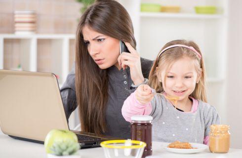 Perché le mamme che lavorano sono più produttive
