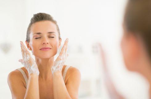 3 regole d'oro per lavare il viso