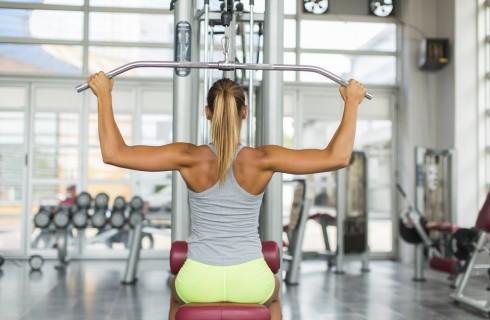 Schiena: lat machine e rematori per riequilibrare le tensioni muscolari