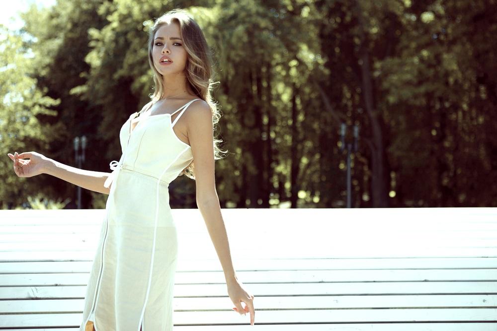 fe53c3477a03 Vestirsi di bianco  consigli e errori da evitare - DireDonna