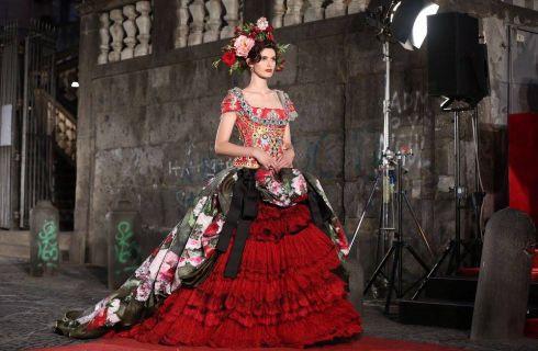 Dolce & Gabbana Alta Moda: 100 abiti in passerella a Napoli