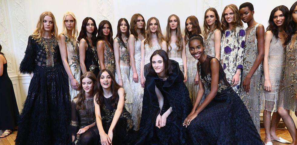 quality design d8163 ea6b3 Alberta Ferretti apre le sfilate di Parigi con la collezione ...