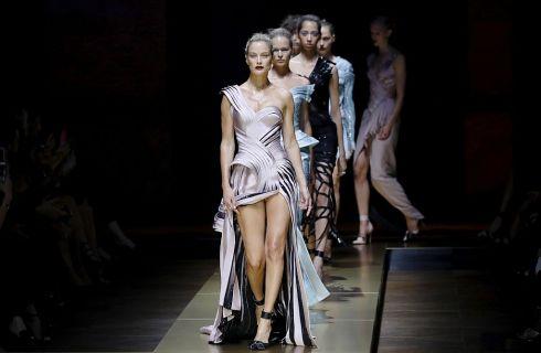 Atelier Versace, l'Haute Couture per l'Autunno Inverno 2016/17