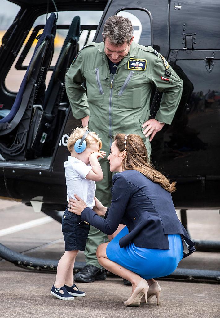 Kate Middleton consola il piccolo George in lacrime