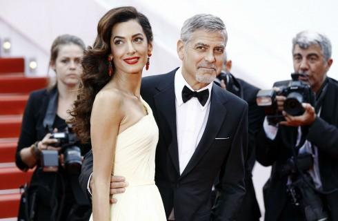 George Clooney e Amal in Italia con i gemelli: le prime foto di Ella e Alexander Clooney