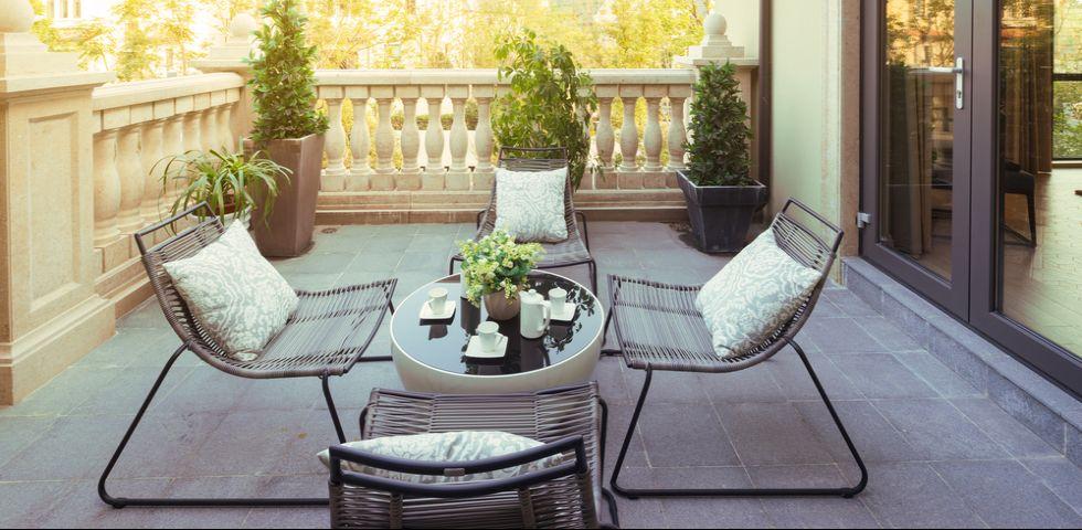 Come pulire terrazze e balconi | DireDonna