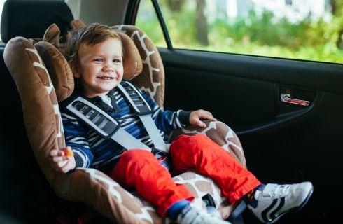 Come scegliere i seggiolini auto per bambini