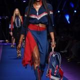 Naomi Campbell per Versace PE 2017