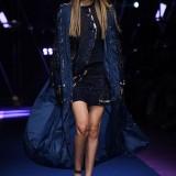 Gigi Hadid Versace PE 2017