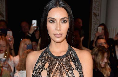 Kim Kardashian nuda da Balmain per la collezione Primavera Estate 2017