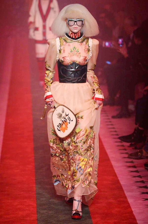Gucci Primavera Estate 2017, i look della collezione