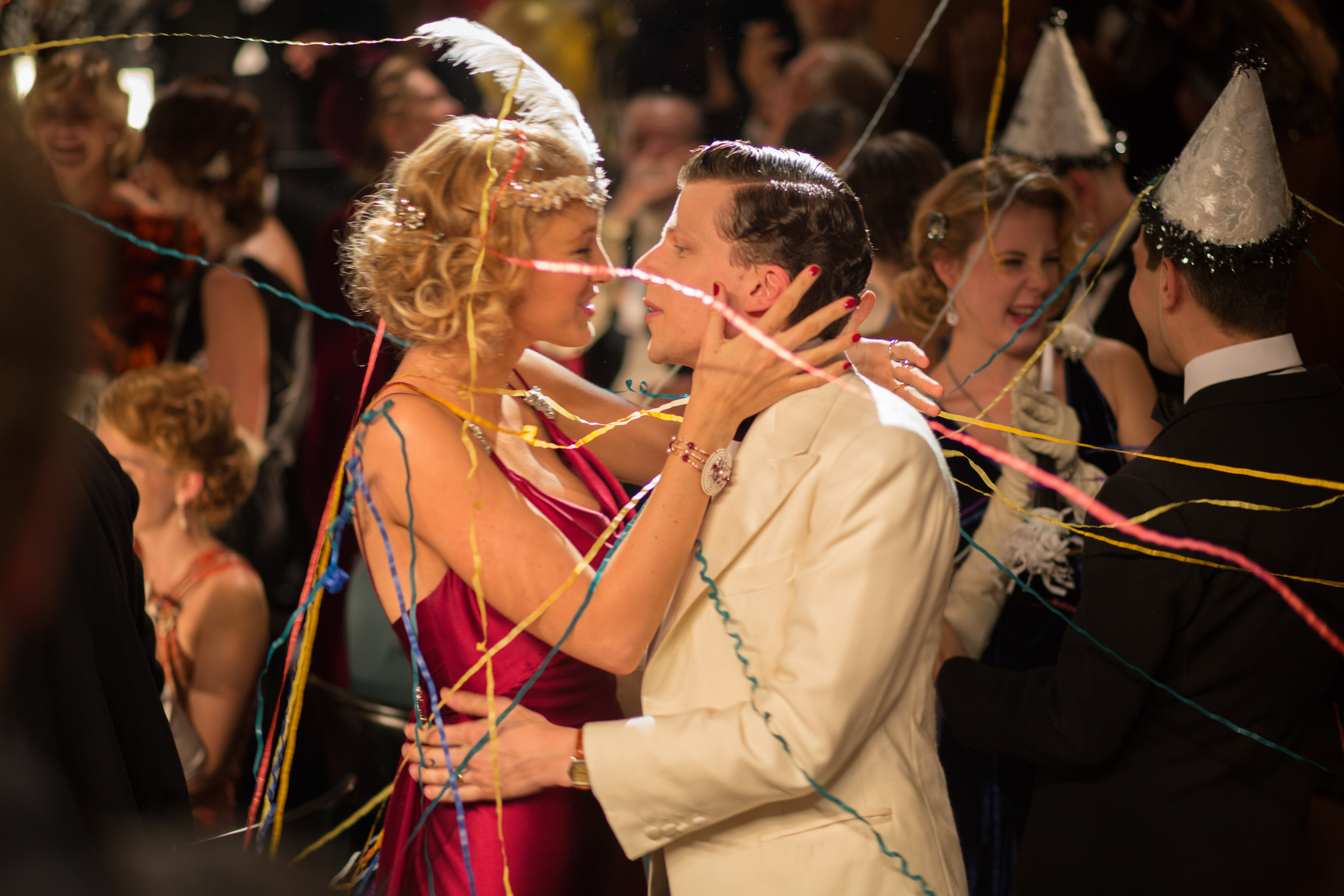 Blake Lively e Kristen Stewart a confronto in Café Society, foto
