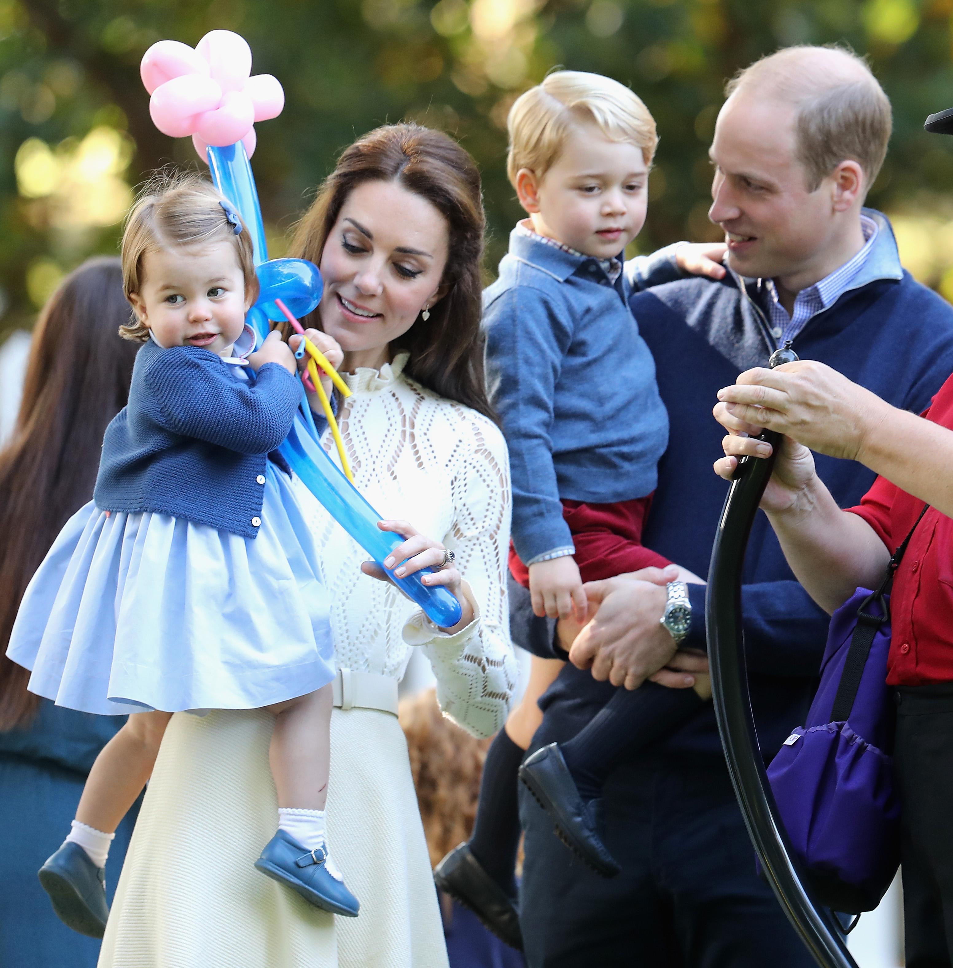 Le foto del Principe George e della Principessa Charlotte