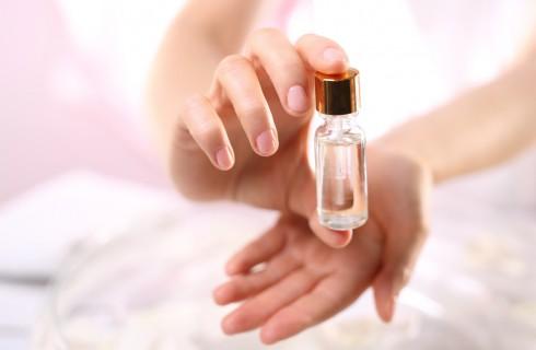 Come rinforzare le unghie: quali prodotti usare