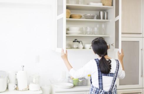 Come organizzare gli armadietti della cucina