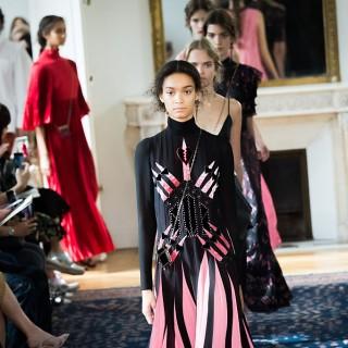 Valentino: Pierpaolo Piccoli incanta Parigi