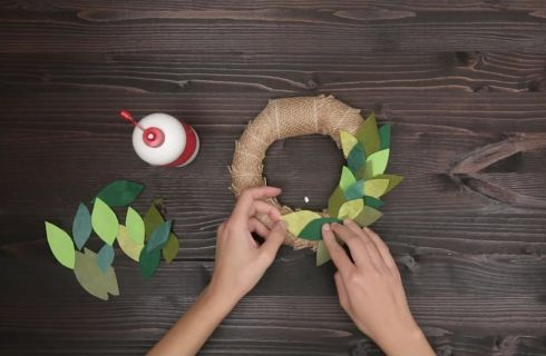 Ghirlanda natalizia: il tutorial per fare la decorazione di Natale