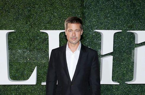 Brad Pitt triste, Festa del Ringraziamento senza Angelina Jolie e figli